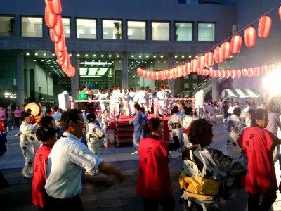 盆踊りも盛り上がっています
