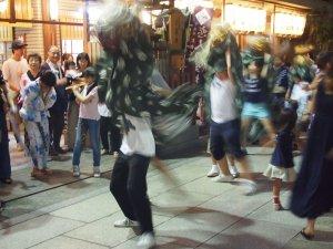 露天神社(お初天神)夏祭り-荒ぶる舞獅子