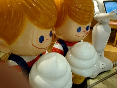 スウェーデン 阪急三番街店